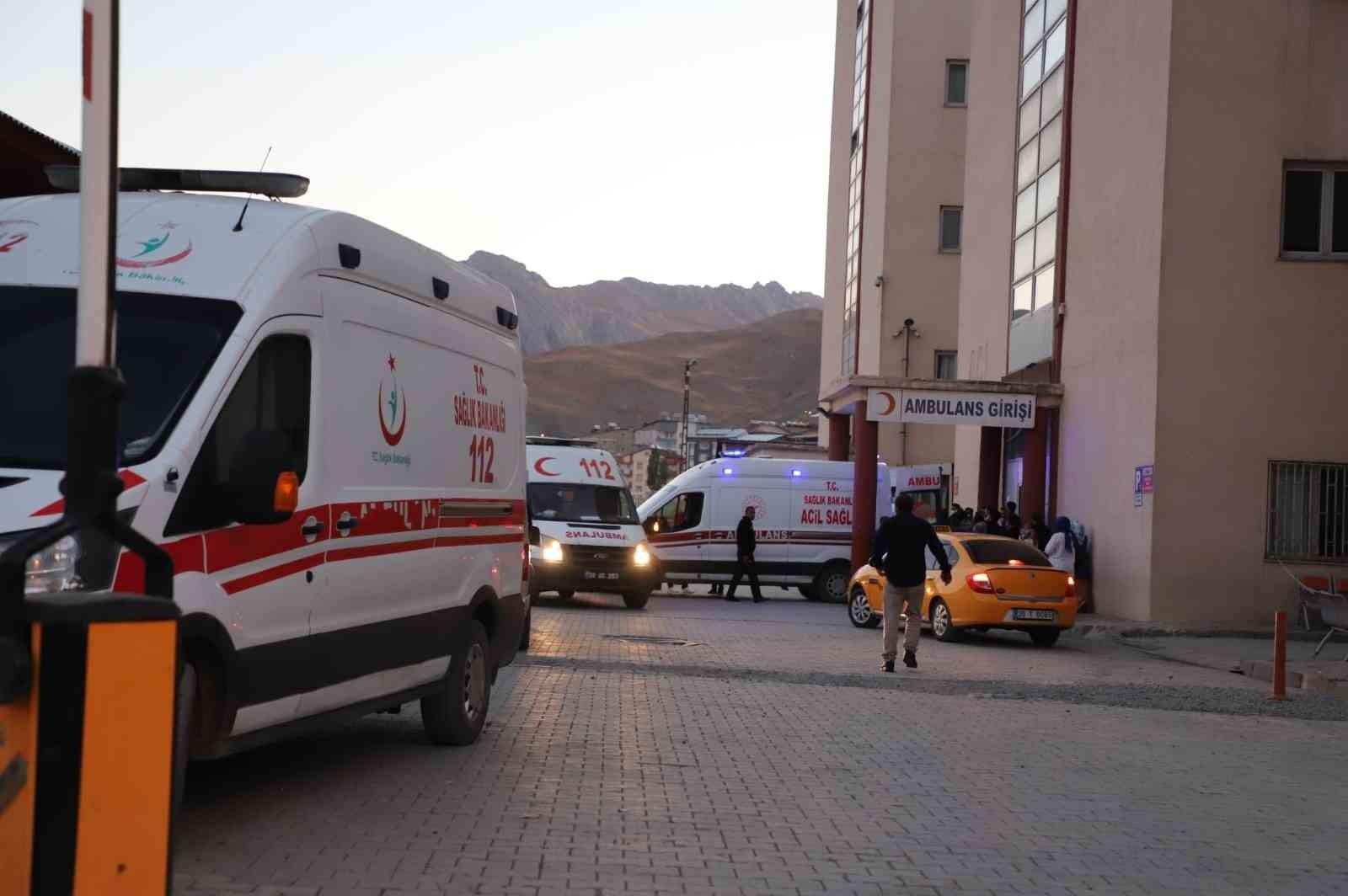 Hakkari'de maden ocağında göçük: 2 ölü, 1 yaralı #hakkari