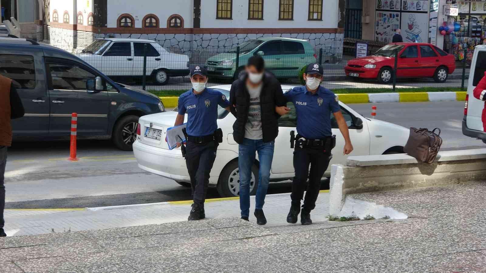 Çorum'da 5 motosiklet çaldığı iddia edilen zanlı adliyeye sevk edildi #corum
