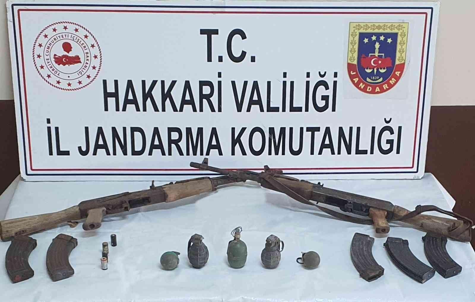 Yüksekova kırsalındaki mağarada mühimmat ele geçirildi #hakkari