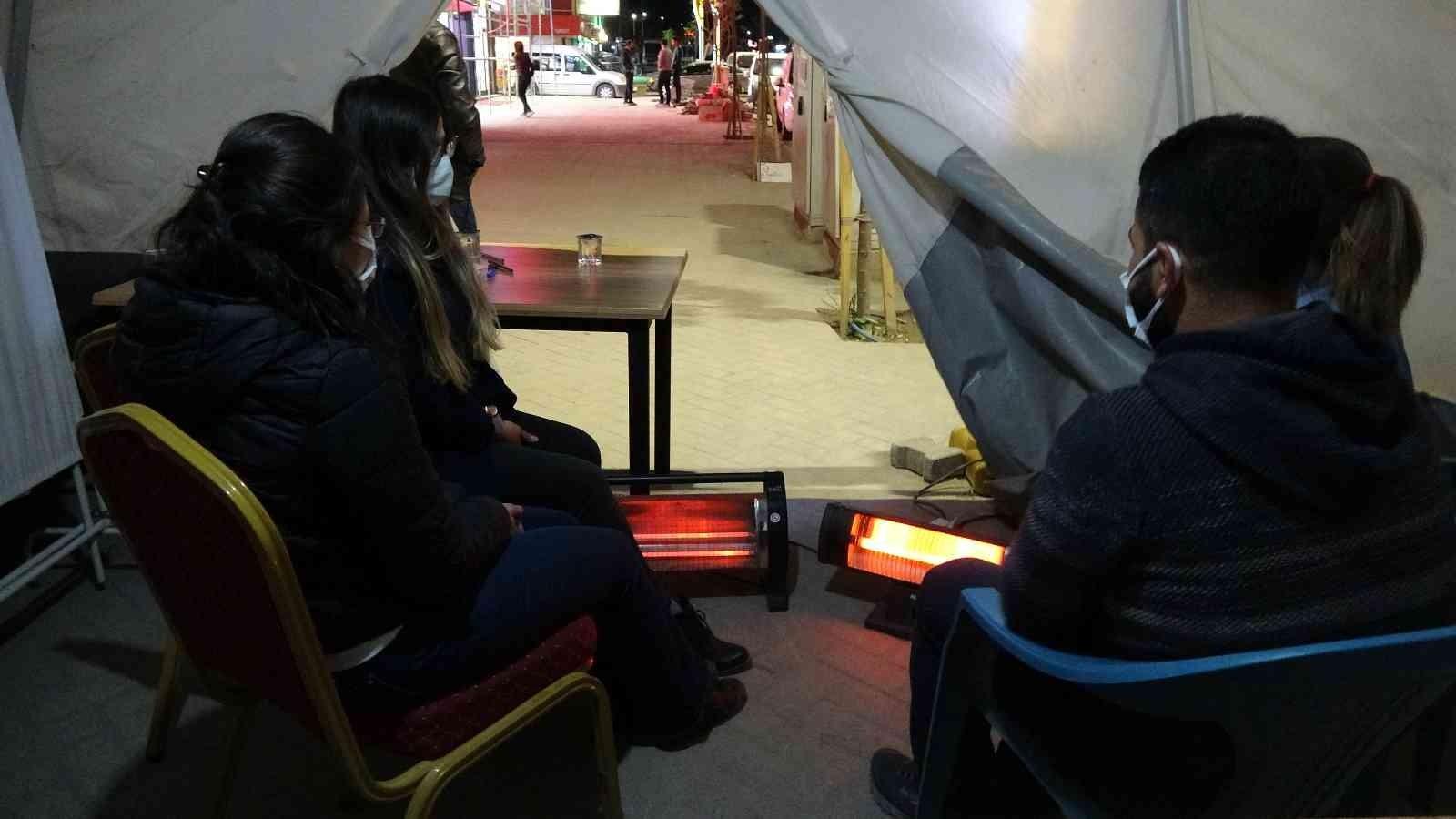 Yüksekova'da soğuklar etkisini gösterdi #hakkari