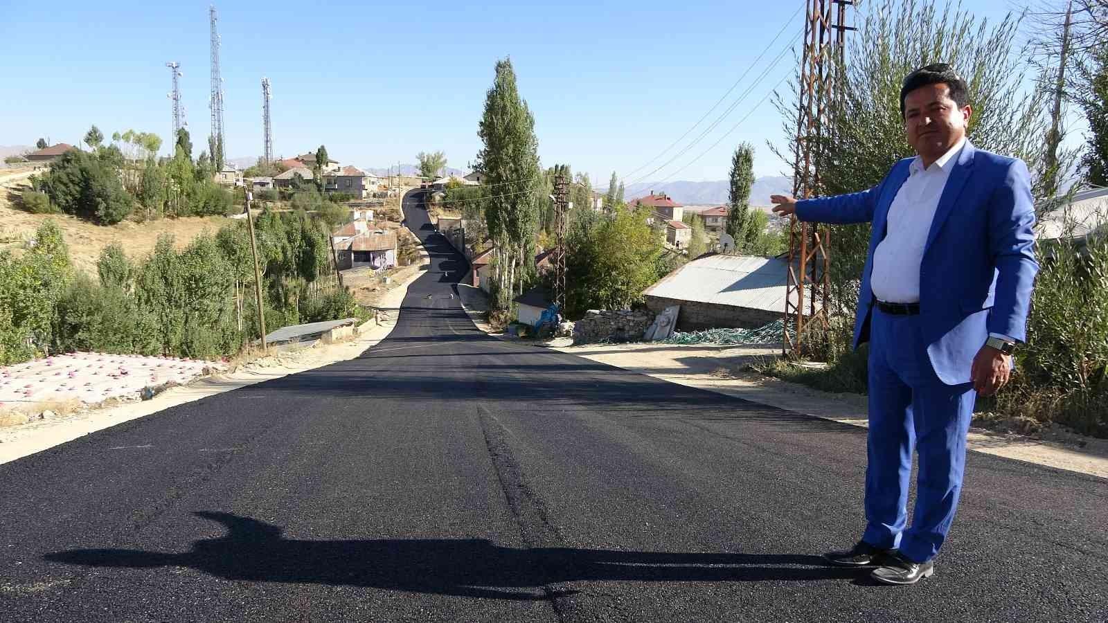 Mahalle halkının sıcak asfalt sevinci #hakkari