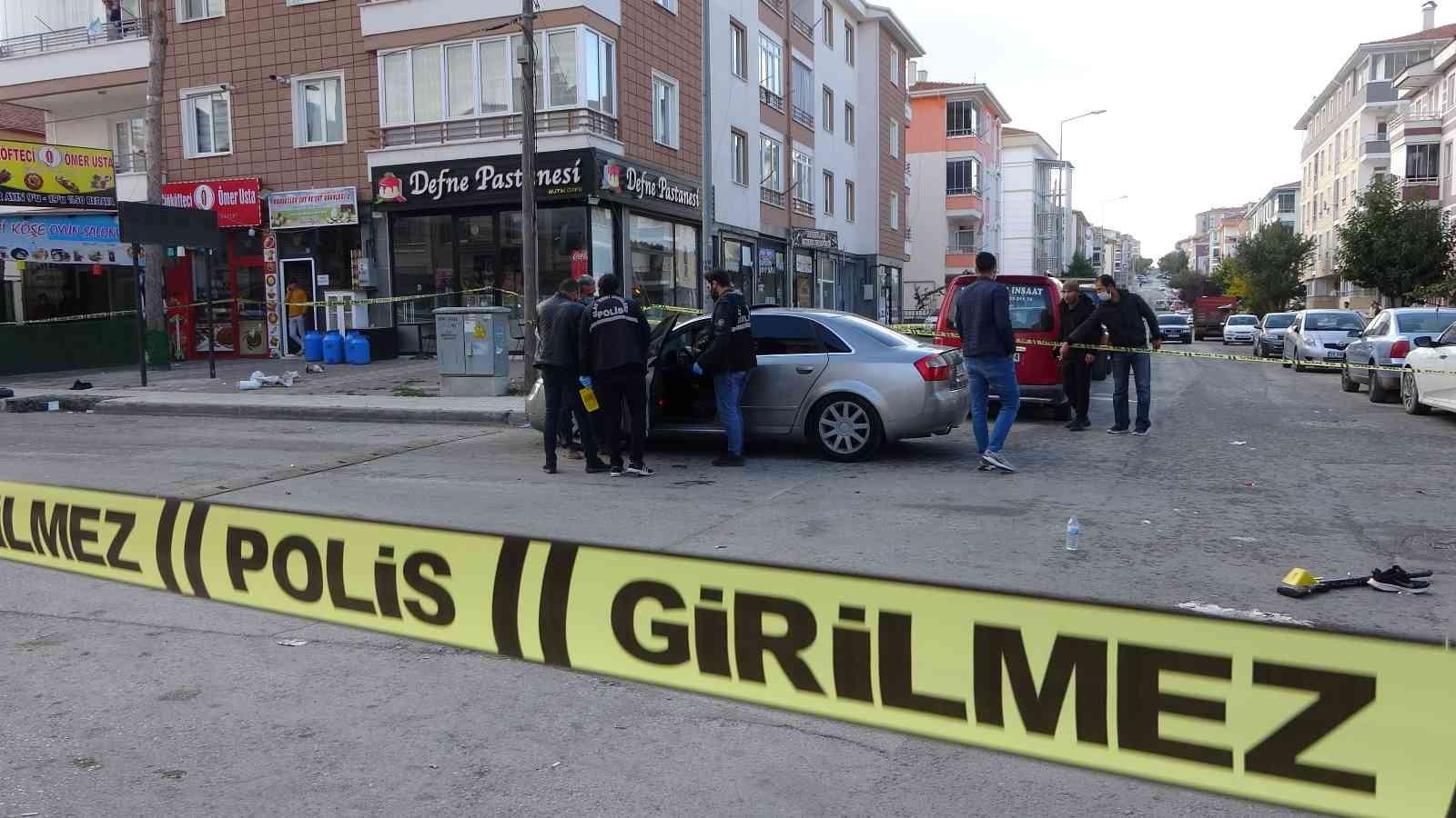 İki kardeş arasında çıkan silahlı kavga kanlı bitti: 1 ölü, 1 yaralı #corum