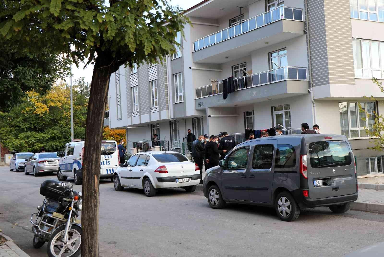 8. sınıf öğrencisi babasının beylik tabancasıyla kendisini vurdu - Erzincan  Haberleri