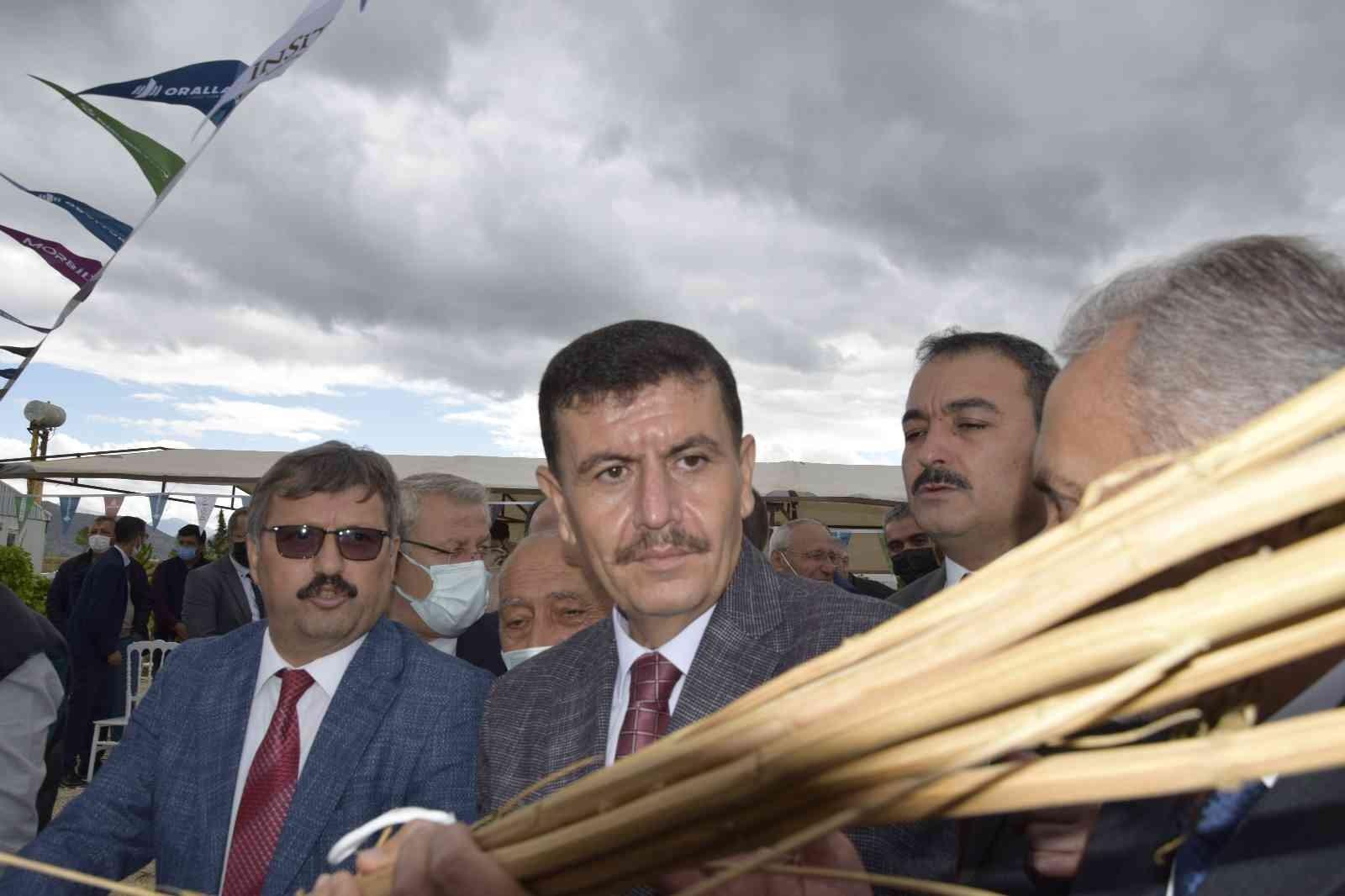 Burdur'da yılın ilk kenevir hasatı yapıldı #burdur