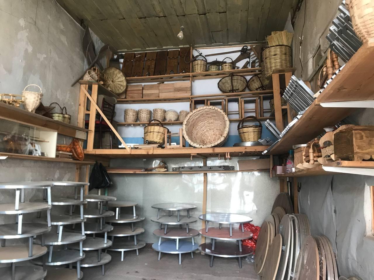(Özel) Bayburt'ta yarım asırlık dükkânda ahşap ürünler zanaatkarın elinde hayat buluyor #bayburt