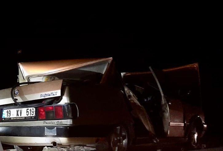 Traktör ile otomobil çarpıştı: 5 yaralı #corum