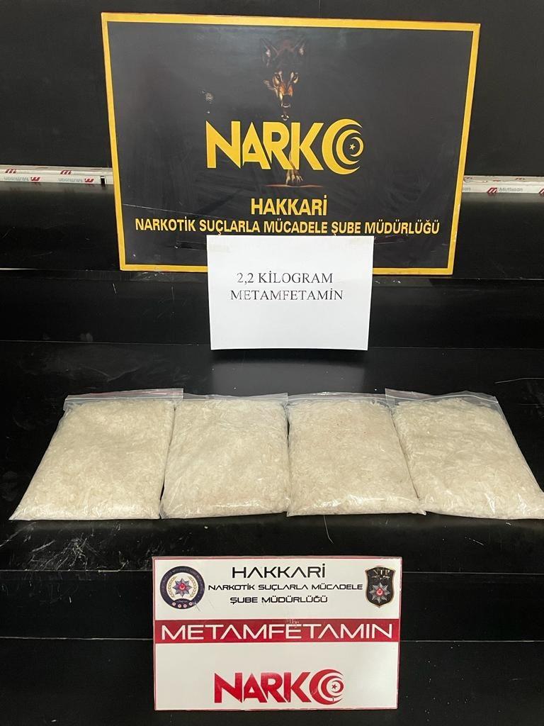 Yüksekova'da 2 kilo 200 gram metamfetamin ele geçirildi #hakkari