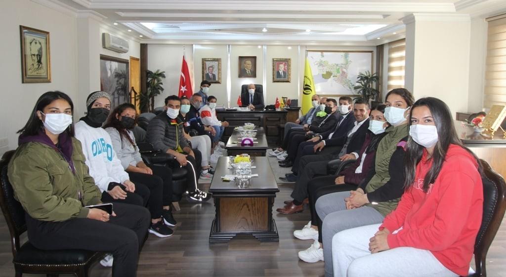 Olimpiyat Şampiyonu Sürmeneli'den Başkan Pekmezci'ye ziyaret #bayburt