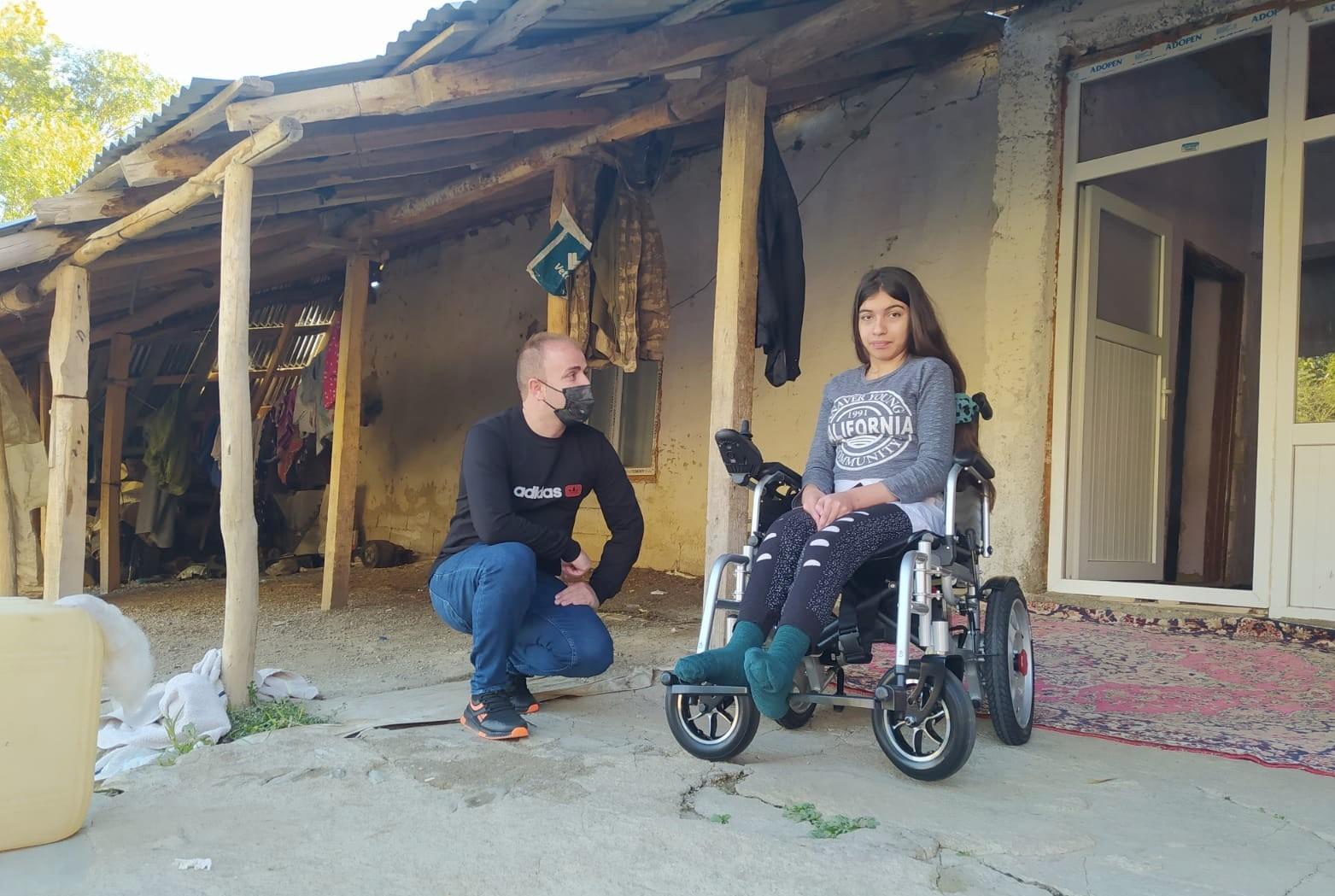 Gençlik derneği engellileri sevindirdi #hakkari