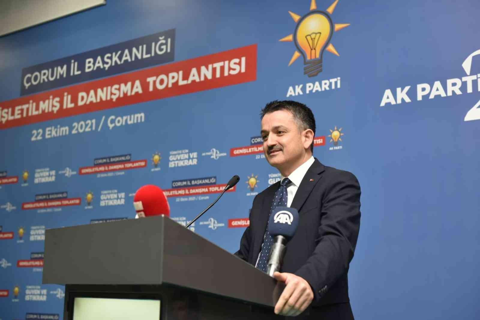 """Bakan Pakdemirli: """"Türkiye'nin kaderini Millet İttifakı'na terk edemeyiz"""" #corum"""