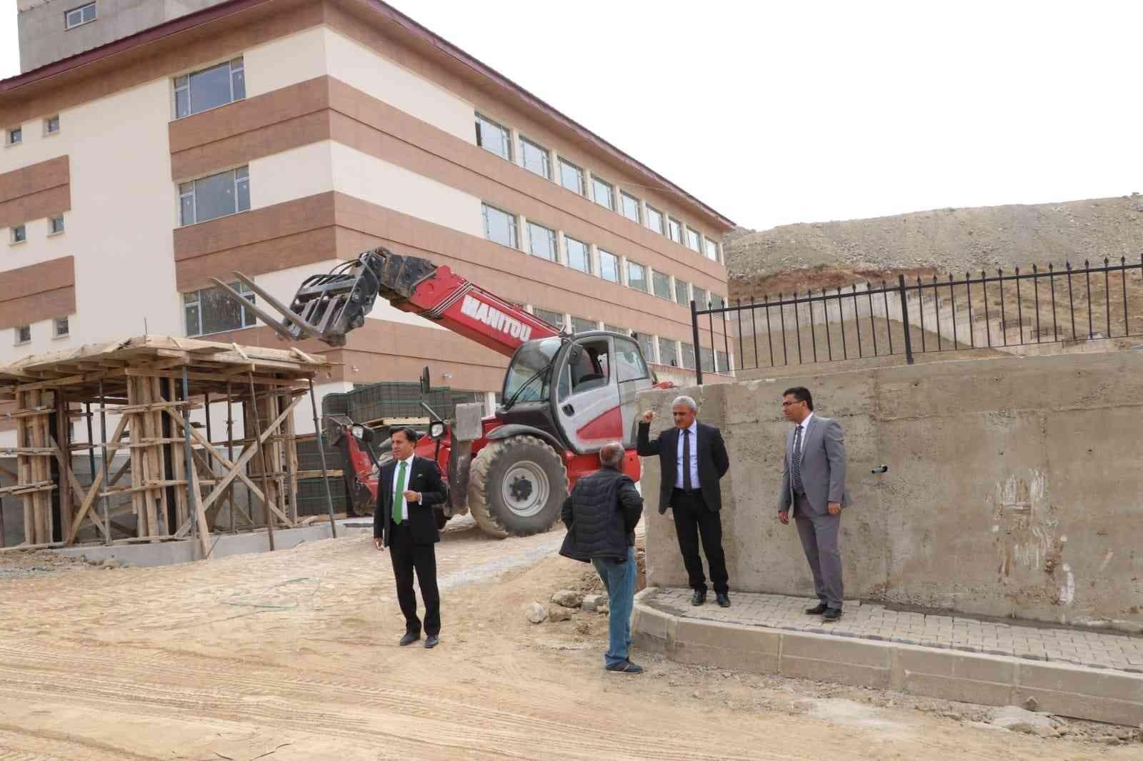 Hakkari'deki okul inşaatları hızla tamamlanıyor #hakkari