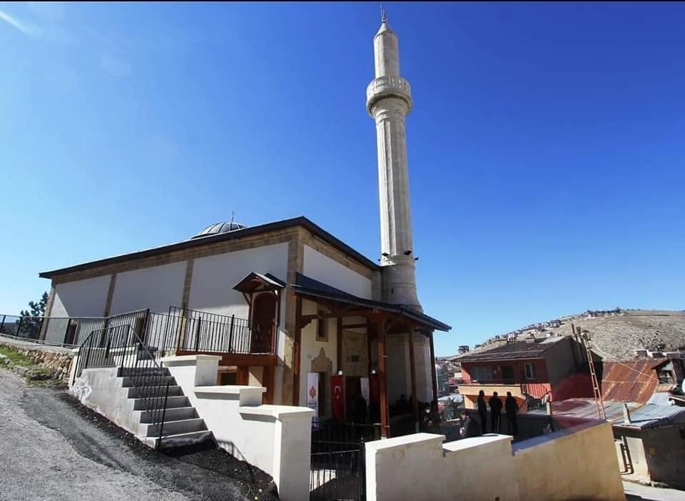 Restorasyonu tamamlanan tarihi Veysel Efendi Camii ibadete açıldı #bayburt