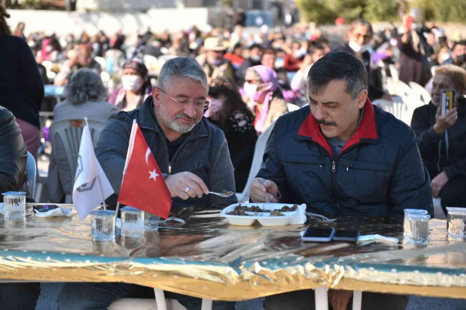 Vali Çiftçi ve Başkan Aşgın şükür lokmasına katıldı #corum