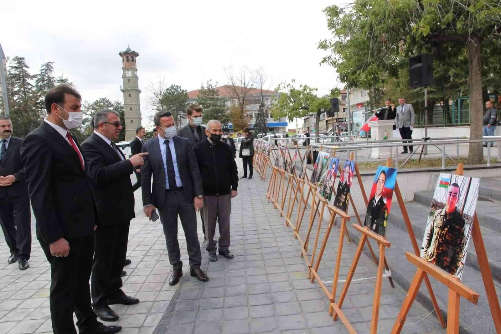 Sungurlu'da Azerbaycanlı şehit askerler sergisi açıldı #corum