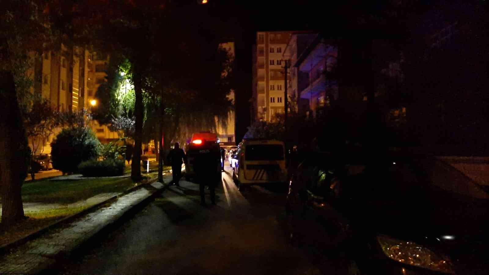 Çorum'da eve silahlı saldırı: 2 yaralı #corum