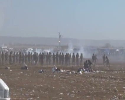 Sınır hattında toplanan gruba müdahale