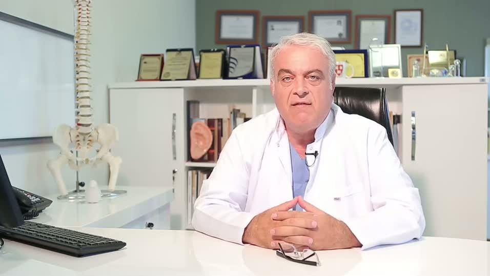 """Boyun fıtığında ameliyatsız tedavi yöntemi """"Lazer ve Ozon mikrodiskektomi"""""""