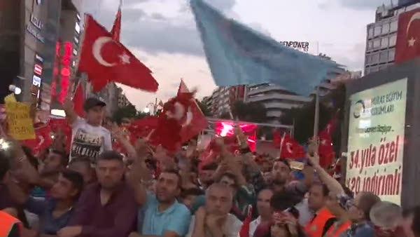 Yabancı öğrenciler de darbe karşıtı demokrasi nöbetine destek verdi!